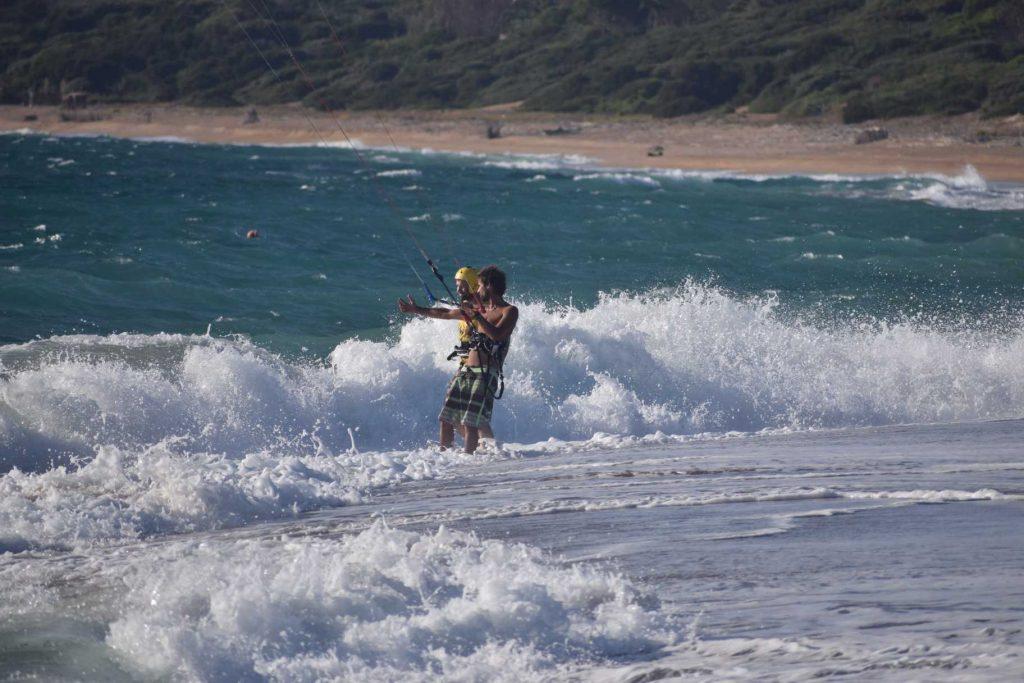 kitesurf peloponnese - lessons (equipment demonstration and guide) in costa navarino - kitemonkey